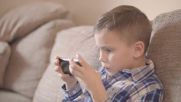 smartphone addiction kid